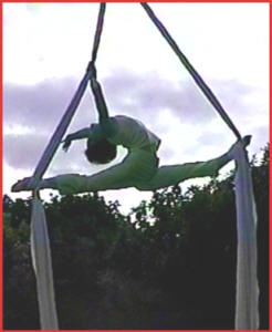 Arch in the Sky silks performer